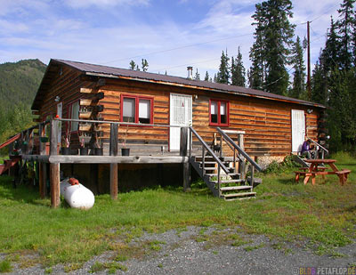 Mentasta-Lodge-Alaska-USA-DSCN2178.jpg