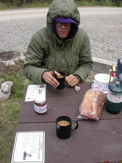 Morning-Coffee-Morgenkaffee-Savage-River-Campground-Campingplatz-Denali-National-Park-Nationalpark-Alaska-USA-DSCN1281.jpg