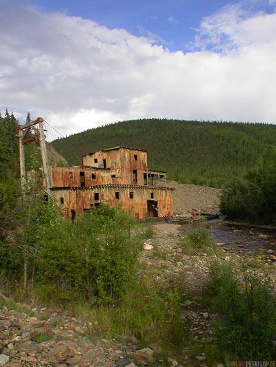 old-Gold-Dredge-Gold-Baggerschiff-Taylor-Highway-Alaska-USA-DSCN0842.jpg