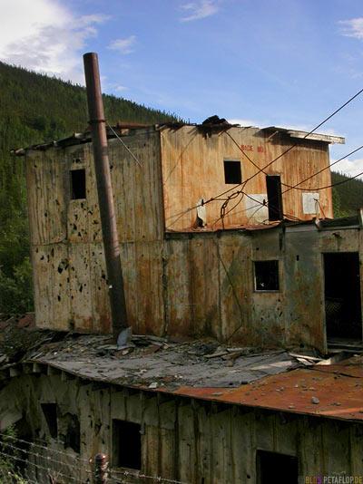old-Gold-Dredge-Gold-Baggerschiff-Taylor-Highway-Alaska-USA-DSCN0847.jpg