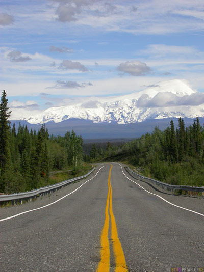 Richardson-Highway-Wrangell-Mountains-St-Elias-National-Park-Alaska-USA-DSCN2152.jpg
