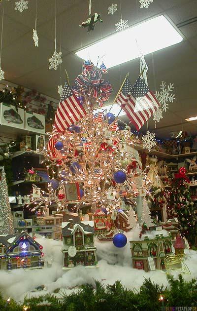Santa-Clause-House-Christmas-tree-decoration-Weihnachtsbaum-North-Pole-Alaska-USA-DSCN0980.jpg