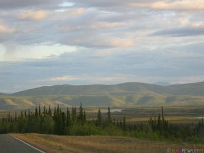 Scenery-Taylor-Highway-Alaska-USA-DSCN0941.jpg