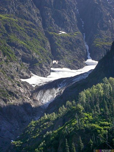 Snow-field-near-Schneefeld-Bear-Glacier-Gletscher-Highway-37a-Stewart-BC-British-Columbia-Canada-Kanada-DSCN2577.jpg