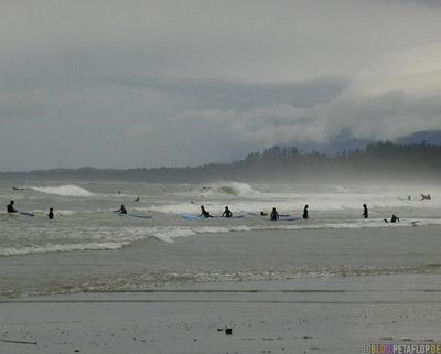 Surfers-Surfer-Pacific-Rim-National-Park-near-Tofino-Beach-Vancouver-Island-BC-British-Columbia-Canada-Kanada-DSCN3138.jpg