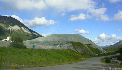 Tailings-Pile-Abraumhalde-Asbestos-Mine-Asbest-Mine-Ghost-town-Geisterstadt-Cassiar-British-Columbia-BC-Canada-Kanada-DSCN2318.jpg