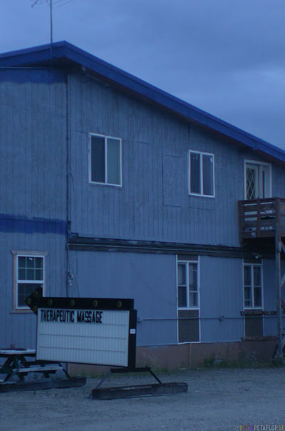Therapeutic-Massage-Ice-Park-Campground-Campingsite-Campingplatz-Fairbanks-Alaska-USA-DSCN0996.jpg