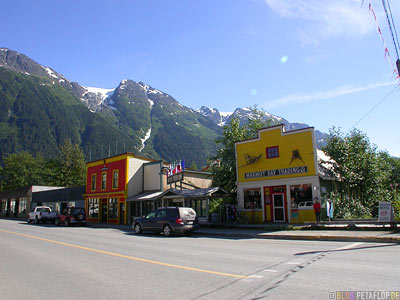 toaster-museum-Ripley-Inn-Hotel-Motel-Stewart-BC-British-Columbia-Canada-kanada-DSCN2556.jpg