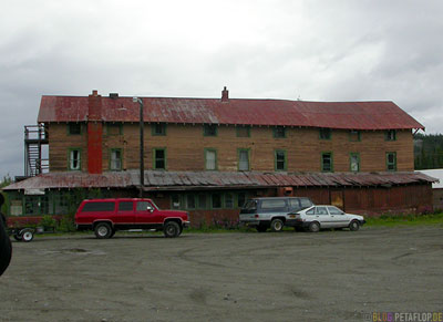 Tonsina-River-Lodge-haunted-house-Spukhaus-Geisterhaus-Tonsina-Alaska-USA-DSCN1858.jpg