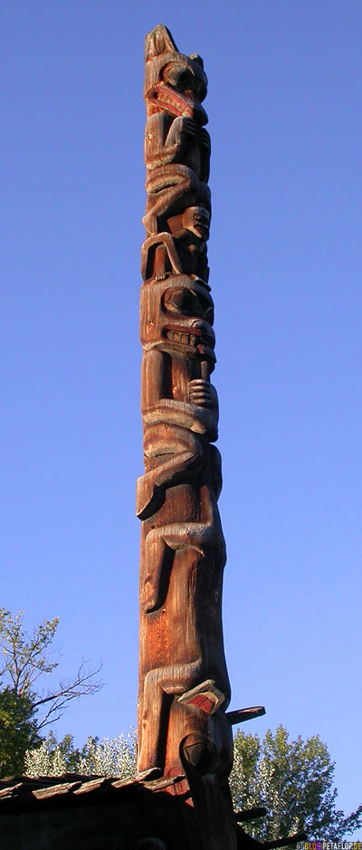 Totem-Pole-Totempfaehle-Museumsdorf-Heritage-Ksan-Native-Village-Indians-Indianer-Hazelton-BC-British-Columbia-Canada-Kanada-DSCN2604.jpg