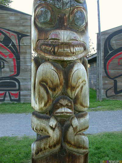 Totem-Pole-Totempfaehle-Museumsdorf-Heritage-Ksan-Native-Village-Indians-Indianer-Hazelton-BC-British-Columbia-Canada-Kanada-DSCN2609.jpg