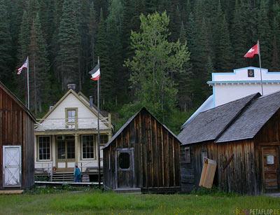 USA-Flag-Flagge-swiss-Switzerland-Schweiz-Weimarer-Republik-western-town-Westernstadt-wilder-westen-wild-west-Barkerville-BC-Canada-Kanada-DSCN2715.jpg