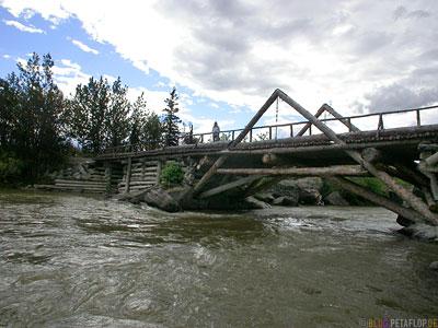 wooden-bridge-Holzbruecke-Alaska-Highway-Yukon-Canada-Kanada-DSCN2237.jpg