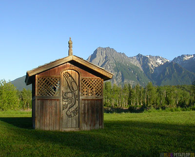 wooden-Hut-cabin-Holzhuette-Museumsdorf-Heritage-Ksan-Native-Village-Indians-Indianer-Hazelton-BC-British-Columbia-Canada-Kanada-DSCN2614.jpg