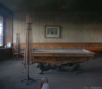 Billardtisch-Billiards-Table-Interior-Inside-Ghosttown-Ghost-town-Geisterstadt-Bodie-California-USA-DSCN4937.jpg