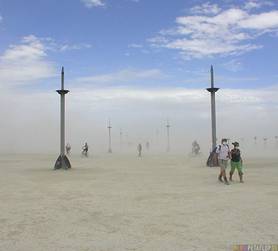 Desertstorm-Sandstorm-Sandsturm-Wuestensturm-Burning-Man-2007-Friday-Freitag-Black-Rock-Desert-Nevada-USA-DSCN4383.jpg
