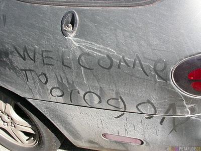 dust-Writing-in-car-dust-geschrieben-in-Karosserie-Staub-Ford-Taurus-Station-Wagon-Kombi-near-devils-churn-Oregon-Coast-Oregon-USA-DSCN3981.jpg