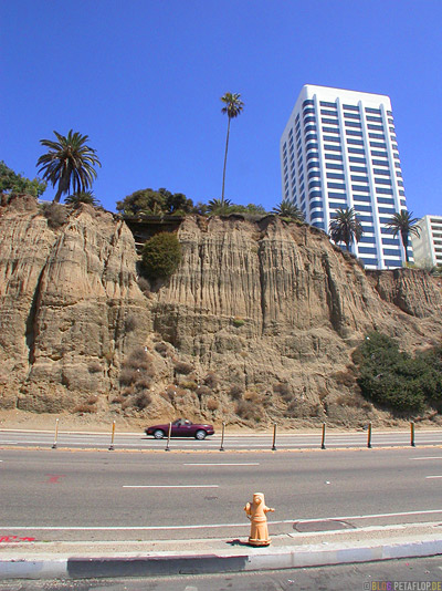 Highway-1-Santa-Monica-Beach-Sand-Cliffs-Strand-Los-Angeles-USA-DSCN5529.jpg