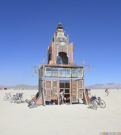 House-Playa-Burning-Man-2007-Black-Rock-Desert-Nevada-USA-DSCN4700.jpg