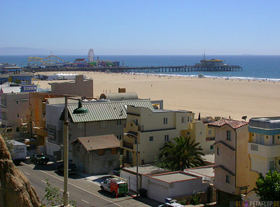 Houses-Highway-1-Santa-Monica-Beach-Sand-Cliffs-Strand-Boardwalk-Footbridge-Steg-Los-Angeles-USA-DSCN5542.jpg