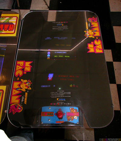 Mrs-Pacman-Arcade-Automat-Twedes-Cafe-Double-R-RR-Restaurant-Snoqualmie-North-Bend-David-Lynch-Twin-Peaks-Washington-USA-DSCN3579.jpg