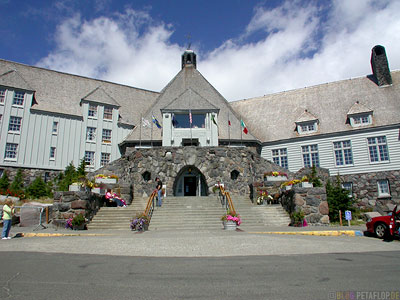 Mt-Mount-Hood-Timberline-Lodge-front-outside-Hotel-from-the-movie-Shining-Portland-Oregon-USA-DSCN3839.jpg