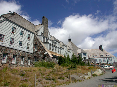Mt-Mount-Hood-Timberline-Lodge-front-outside-Hotel-from-the-movie-Shining-Portland-Oregon-USA-DSCN3842.jpg