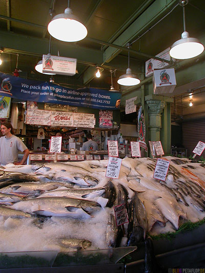 Pike-Market-Square-Waterfront-Downtown-Seattle-Washington-USA-DSCN3454.jpg