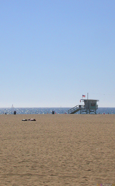 Santa-Monica-Beach-Sand-Life-Guards-house-Rettungsschwimmer-Haus-Baywatch-Strand-Los-Angeles-USA-DSCN5550.jpg