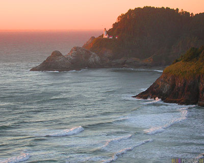Seaside-Waves-Wellen-Leuchtturm-Heceta-Head-Lighthouse-State-Scenic-Viewpoint-Oregon-Coast-Oregon-USA-DSCN3957.jpg