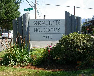 Snoqualmie-welcomes-you-Twin-Peaks-Washington-USA-DSCN3543.jpg