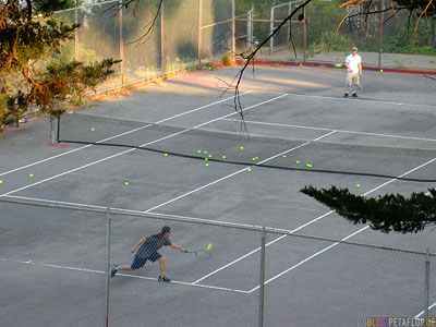 tennis-court-platz-tennisspieler-players-Corona-Heights-Hill-SF-San-Francisco-California-Kalifornien-USA-DSCN5143.jpg