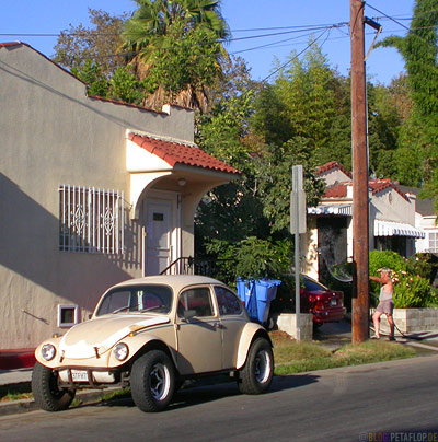 VW-Kaefer-Volkswagen-Beetle-beige-Custom-customized-big-tires-Hollywood-Los-Angeles-USA-DSCN5551.jpg