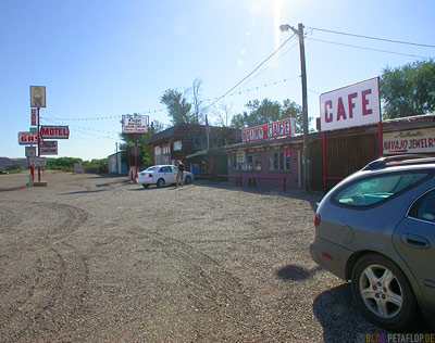Cottonwood-Motel-Cafe-Bluff-Utah-USA-DSCN6532.jpg