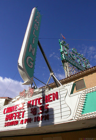 El-Cortez-Hotel-Casino-Neon-Fremont-Street-Fremont-East-District-Las-Vegas-Nevada-USA-DSCN5938.jpg