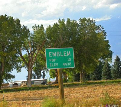 Emblem-town-sign-Wyoming-USA-00252.jpg