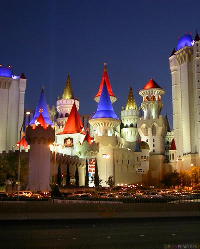 Excalibur-Hotel-Casino-Castle-Schloss-Disneyland-Las-Vegas-Nevada-USA-DSCN5993.jpg