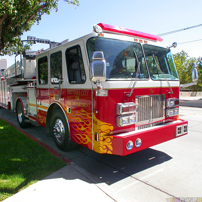 Fire-engine-Feuerwehrwagen-Flames-body-art-Flammen-Aufkleber-Salt-Lake-City-Utah-USA-DSCN6682.jpg