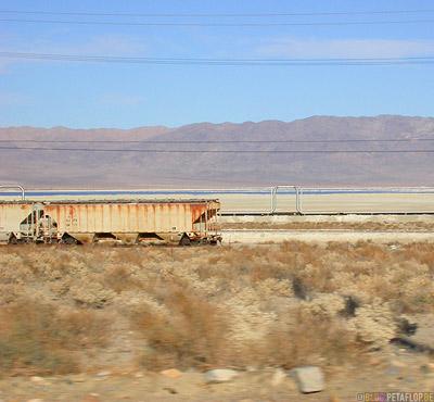 Freight-Train-Waggon-Wagons-Gueterzug-Waggons-Trona-California-Kalifornia-USA-DSCN5620.jpg