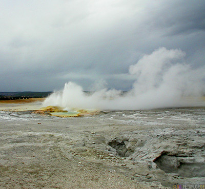 Geysir-geyser-hot-spring-heisse-Quelle-Yellowstone-National-Park-Wyoming-USA-DSCN6768.jpg