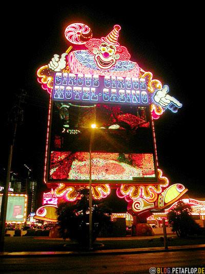 Giant-Neon-Clown-Screen-Circus-Circus-Hotel-Casino-Strip-Las-Vegas-Nevada-USA-DSCN5880.jpg