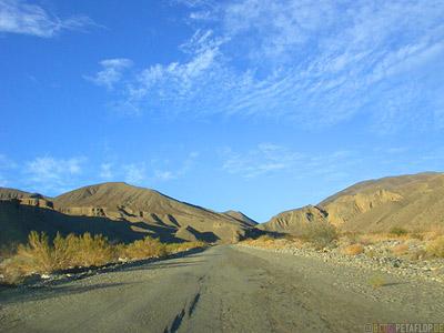 Hills-Mountains-Road-Strasse-Death-Valley-Deathvalley-Desert-Wueste-California-Kalifornia-USA-DSCN5658.jpg