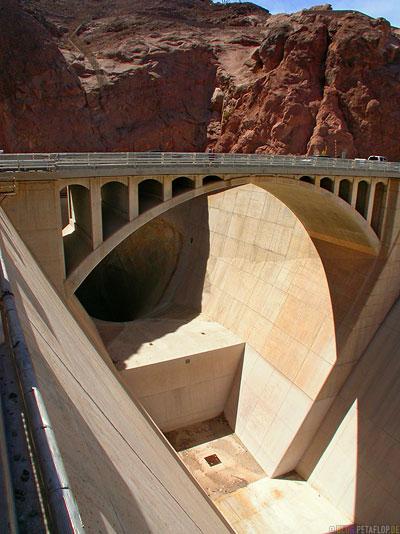 Hoover-Dam-Damm-Staudamm-Arizona-Nevada-USA-DSCN6139.jpg