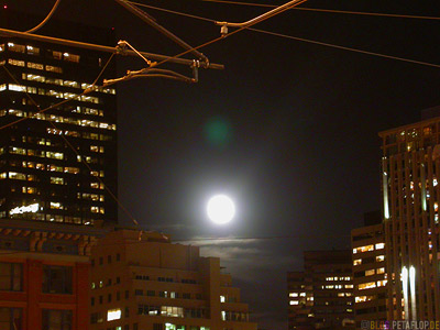 Mond-ueber-Moon-over-Downtown-Denver-Colorado-USA-DSCN7246.jpg