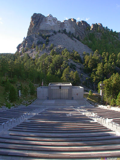 Mount-Rushmore-National-Memorial-Keystone-South-Dakota-USA-DSCN7166.jpg
