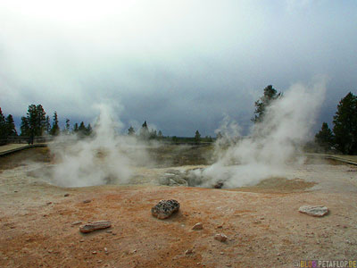 Pool-hot-spring-heisse-Quelle-Yellowstone-National-Park-Wyoming-USA-DSCN6763.jpg