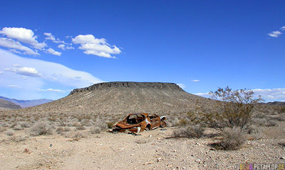 shot-rusty-car-Death-Valley-California-Kalifornien-USA-DSCN5834.jpg
