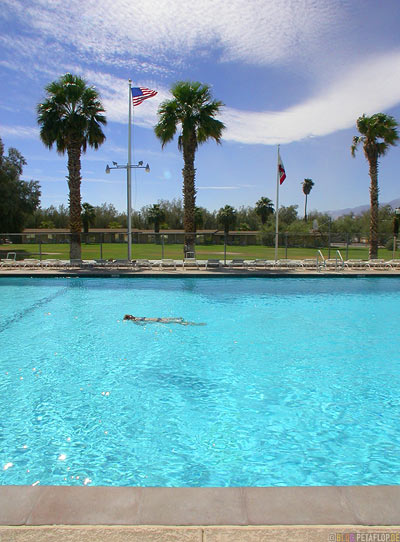 Swimming-Pool-Palms-Palmen-Furnace-Creek-Ranch-Death-Valley-California-Kalifornien-USA-DSCN5711.jpg