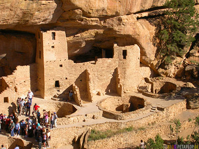 tourists-Cliff-Palace-Mesa-Verde-National-Park-UNESCO-World-Heritage-Weltkulturerbe-Colorado-USA-DSCN6567.jpg