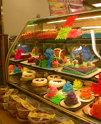 confectionery-Bakery-Cakes-Kuchen-Motiv-Geburtstagstorte-Kruemelmonster-Spiderman-Torten-birthday-counter-Theke-Baecker-Konditorei-Oklahoma-City-OK-USA-DSCN7393.jpg